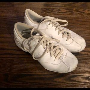 Nike Cheer Shows Size 7